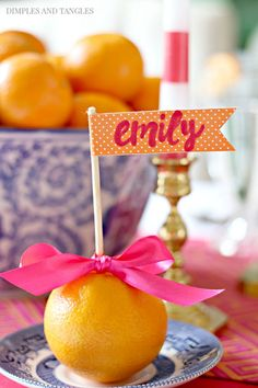 HOT PINK, ORANGE, BLUE AND WHITE THANKSGIVING TABLE 2017