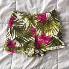 Brandy Jungle Shorts Brandy Melville 10/10 condition!!! stretchy material so they could fit any size Brandy Melville Shorts
