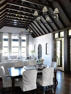 ceiling and doors white living room wood beamed ceiling mohon-imber architects Dark floors and ceiling, white walls Coastal Living Rooms, Living Spaces, Cottage Living, Style At Home, White Wood Paneling, White Beams, Dark Ceiling, Ceiling Beams, Ceiling Height