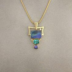 Crystal Jewelry, Pendant Jewelry, Jewelry Art, Gemstone Jewelry, Vintage Jewelry, Jewelry Design, Mens Band Rings, International Jewelry, Rare Gemstones