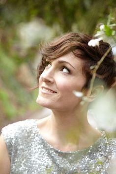 Sara Gazarek's hair is super cute.