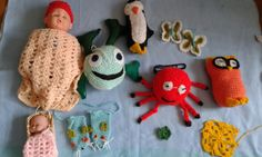 Toy creations Crochet Top, Crochet Hats, Baby Shoes, Toys, Clothes, Fashion, Knitting Hats, Activity Toys, Outfits