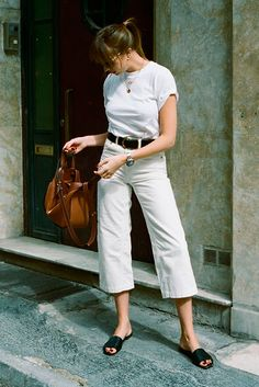 White t-shirt black belt white denim culottes black sandals brown bucket bag. Spring outfit summer outfit all white outfit casual outfit comfy outfit simple outfit minimal outfit 2018 Source by bedazelive