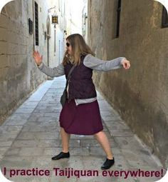 Benefits of Taijiquan - practice everywhere! Tai Chi For Beginners, Meditation For Beginners, Reiki Meditation, Meditation Music, Mindfulness Meditation, Yang Style Tai Chi, Learn Tai Chi, Judo Karate, Chiropractic Wellness