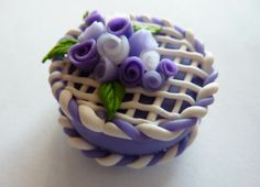 Torta in fimo fatta a mano deocrata con rose viola - Blue and azure roses cake in fimo polymer clay handmade