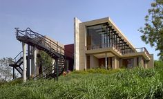 Bridge House, Baroda by- Aniket Bhagwat-  projects by leading Indian architects