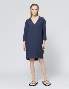 Eva Dress - D.EFECT SS15 Minimal Chic, Ss 15, Summer Colors, Spring Summer 2015, Catwalk, High Neck Dress, Dresses For Work, Classy, Fashion Outfits