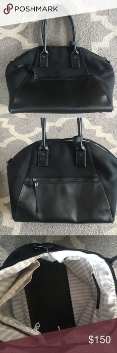 Lululemon duffel bag Lululemon duffel bag in excellent condition! Great to use for a travel bag or the gym lululemon athletica Bags Travel Bags
