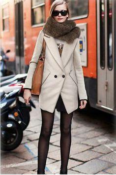Single row of double-button suit coat
