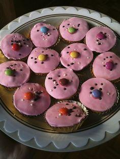 roze taartjes / pink cakes