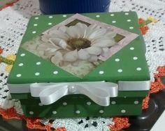 Caixa MDF Poá com flor dalia