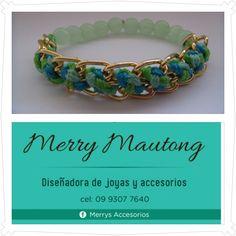 Pulsera tejida en cadenas y cristales con elástico, combine 3 colores de hilos ... Encuentranos en instagram @Maria Del Carmen Mautong Cel.: 593 9930 77640