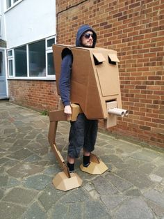 Unique Star Wars AT-ST Walker Cardboard Costume - See video! (Home-made) (star wars party) Cardboard Costume, Cardboard Crafts, Cardboard Mask, Cardboard Boxes, Star Wars Stormtrooper, Darth Vader, Costume Halloween, Cool Costumes, Alien Halloween