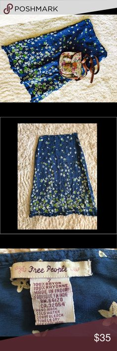 Free People Vintage Skirt Size 7 ( small) Beautiful skirt summer special. Size is 7 EU but runs small. Please review imaging for dimensions Free People Skirts Midi