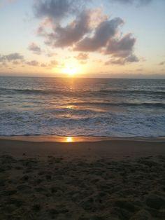 Amanhecer de João Pessoa.  Aqui o sol nasce primeiro (4:45 da manhã)
