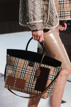 f18dc2a023fd Burberry Spring 2019 Ready-to-Wear Collection - Vogue Fabric Bags, Luxury  Bags