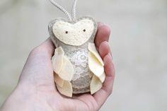 Pregnant Felt Owl Christmas Ornament // Gender by OrdinaryMommy