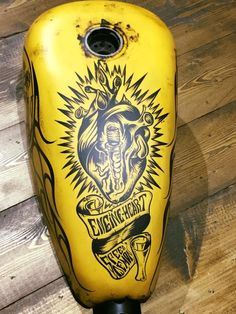 Dirties gas tank for Harley Davidson Forty Eight. 70's Helmets