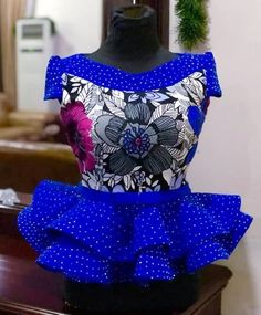 Latest African Fashion Dresses, African Dresses For Women, African Print Fashion, Africa Fashion, African Attire, African Fashion Traditional, African Print Dress Designs, African Lace Styles, African Blouses