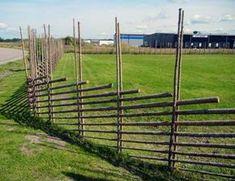 Забор для дачи своими руками: отличный вариант с повышенной оригинальностью Natural Fence, Fence Gate, Hedges, Outdoor Living, Yard, Outdoor Structures, Nature, House, Gates