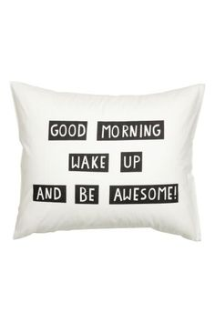 Pillowcase with text print: Pillowcase with a text print on fine-threaded cotton in 30s yarn with a thread count of 144.