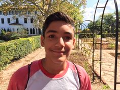 """Hi! My name's Moisés. My favourite tale is """"The Three Little Pigs"""""""