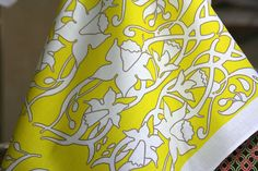 I love yellow too! I can see the bluebells and daffodils sticking up in our garden Spring is coming!