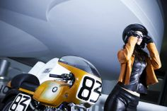 Manuela Raffaeta posing with the 1974 BMW R90S that made Superbike history at the BMW museum in Munich.