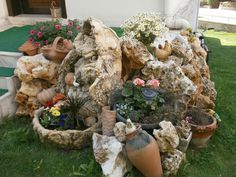 an interesting garden display ... one could really personalize something like this