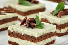 Chocolate cake with mint butter cream. Recipes with photos of delicious cakes.