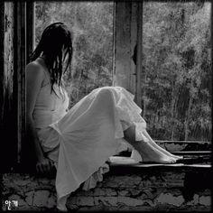 Sitting in the window by chantalleke mensagem do dia, fotos de chuva, chuva Gif Chuva, Rainy Day Songs, Flight Of The Conchords, I Love Rain, Les Gifs, Rain Days, Singing In The Rain, Gif Animé, Animated Gif