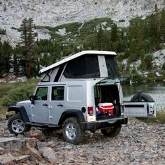 Hey all you outdoors and camping enthusiasts! I have the perfect camping SUV for you! The Jeep Wrangler Unlimited really is unlimited! It is perfect for all you needs. Jeep Wrangler Unlimited, Jeep Wrangler Camper, Jeep Jeep, Wrangler Rubicon, Camping Jeep, Camping Hacks, Solo Camping, Ursa Minor, Off Road Adventure
