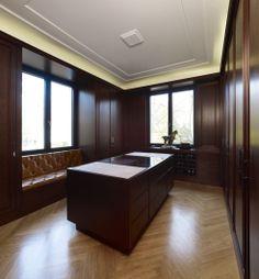 Classical yet modern kitchen. Villa J in Berlin Dahlem by Kahlfeldt Architekten.