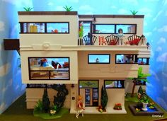 Art Deco Style 5574 House - PLAYMOBIL Collectors Club. The work of EmmaJ.