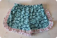 There were a couple of requests for a tutorial for the ruffled shorts from the Vintage Play Set I blogged about here . This is going to be b...