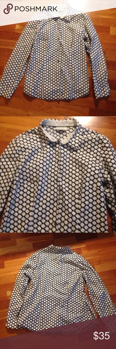 Betsy Barclay button down top This is a beautiful top women's size 16 black-and-white supersoft and super comfortable really pretty top betsy barclay Tops Button Down Shirts
