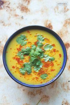 Rzadko publikuję na blogu przepisy inspirowane kuchnią indyjską. A wiecie dlaczego? Bo wszyscy kojarzą przepisy wegetariańskie lub wegańskie właśnie z takimi daniami - z soczewicą, samosami i ryżem curry.  Nie zrozumcie mnie źle - lu[...]
