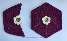 Crochet between worlds: Frida's Flowers CAL - Block 1 - White Cosmos