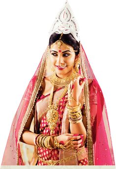Planning a Bengali wedding ? If you are a Bengali bride or mother of the bride :) and looking for what to wear for the wedding - saree, je. Bengali Bride, Bengali Wedding, Pakistani Bridal, Wedding Bride, Wedding Dress, Bengali Bridal Makeup, Indian Bridal Wear, Bridal Necklace Set, Bridal Jewelry