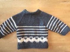 Strikkekits til bluse med de fede får i str. 3-18 mdr. Den strikkes i Easy Care Classic på pinde nr. 4 mm. Strik den til familiens yngste.