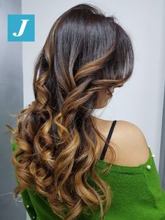 Il tuo Degradé Joelle #cdj #degradejoelle #tagliopuntearia #degradé #igers #musthave #hair #hairstyle #haircolour #longhair #ootd #hairfashion #madeinitaly #wellastudionyc
