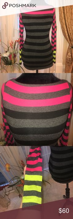 Bailey 44 Multicolored Striped Long Sleeved Top Bailey 44 Multicolored Striped Long Sleeved Top 💜 Size Small. Great condition. Made in USA. Super trendy. Would look fabulous with jeans or leggings. No material tag. Offers welcome. Bailey 44 Tops