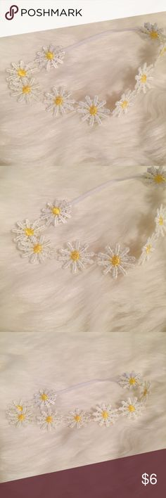 White Daisy Headband Recommended for newborn babies 👶🏽 super cute and has some stretch to it Accessories Hair Accessories
