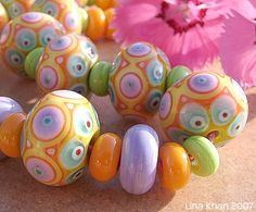 TERESITA – Bead Set made of complex Dot Designs - Lina Khan | Lampwork Beads