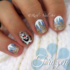 These are my favorite Frozen nail art finds from around the internetz. I heart Frozen nail art. Disney Frozen Nails, Frozen Nail Art, Frozen Art, Olaf Frozen, Frozen Nail Designs, Nail Art Designs, Nail Art For Kids, New Nail Art, Olaf Nails