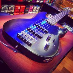 Godin Shifter Classic 5 bye bye! #godin #godinguitars #5strings #bassline #bassguitar #shifterbass