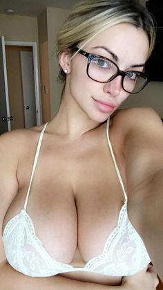 LARGE NATURAL BREASTS & SEXY NERD GLASSES of 32DDD #Fitness & Playboy…