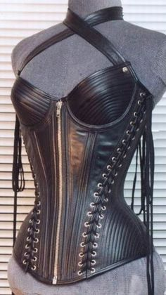 The way to impress! Gothic Corset, Sexy Corset, Lace Corset, Lace Tights, Dark Fashion, Leather Fashion, Gothic Fashion, Leather Lingerie, Leather Corset