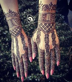 Rose design henna