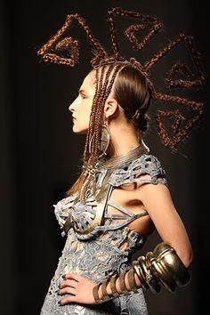 Haute Couture fashion shows in Paris 2011: The calendar333 x 500   103.8 KB   www.coolandmore.com